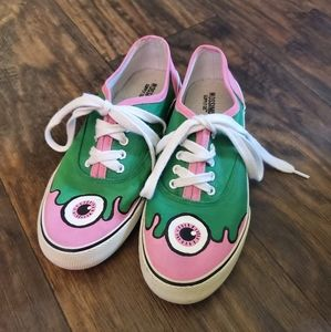 Mossimo Hand Painted OOAK Canvas Size 6